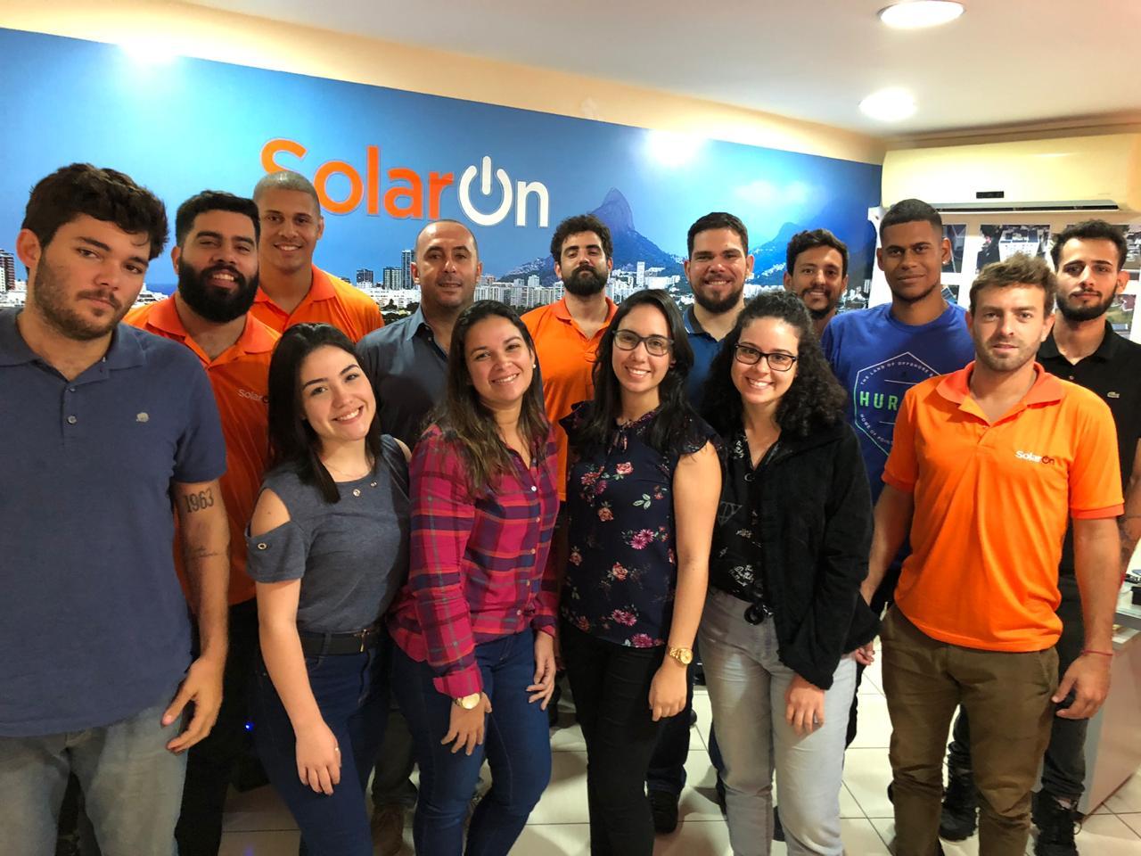 Equipe da SolarOn no Hall da Sede